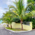 Nassau, Bahamas: Beachfront Home